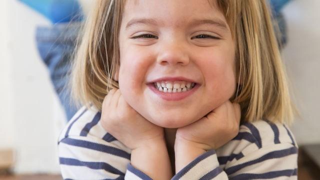 0 8 - سوالات والدین درباره سلامت دهان و دندان کودک
