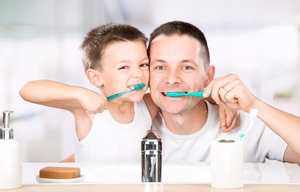 1 12 - سوالات والدین درباره سلامت دهان و دندان کودک
