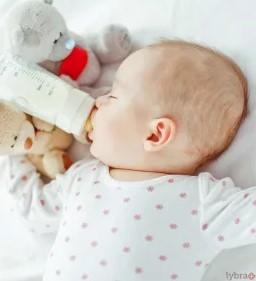 1 14 - پوسیدگی دندان نوزاد با شیشه شیر