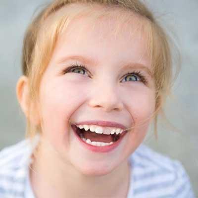 1 13 - تغییر رنگ دندان کودکان در نتیجه ضربه به دندان