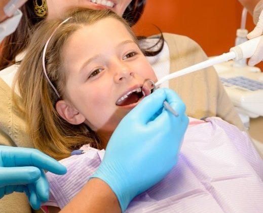 23 519x420 - ترس از دندانپزشکی در کودکان