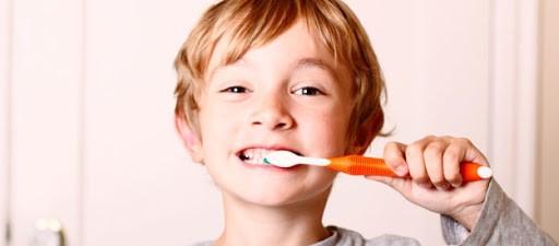 7 3 - خونریزی لثه در کودکان