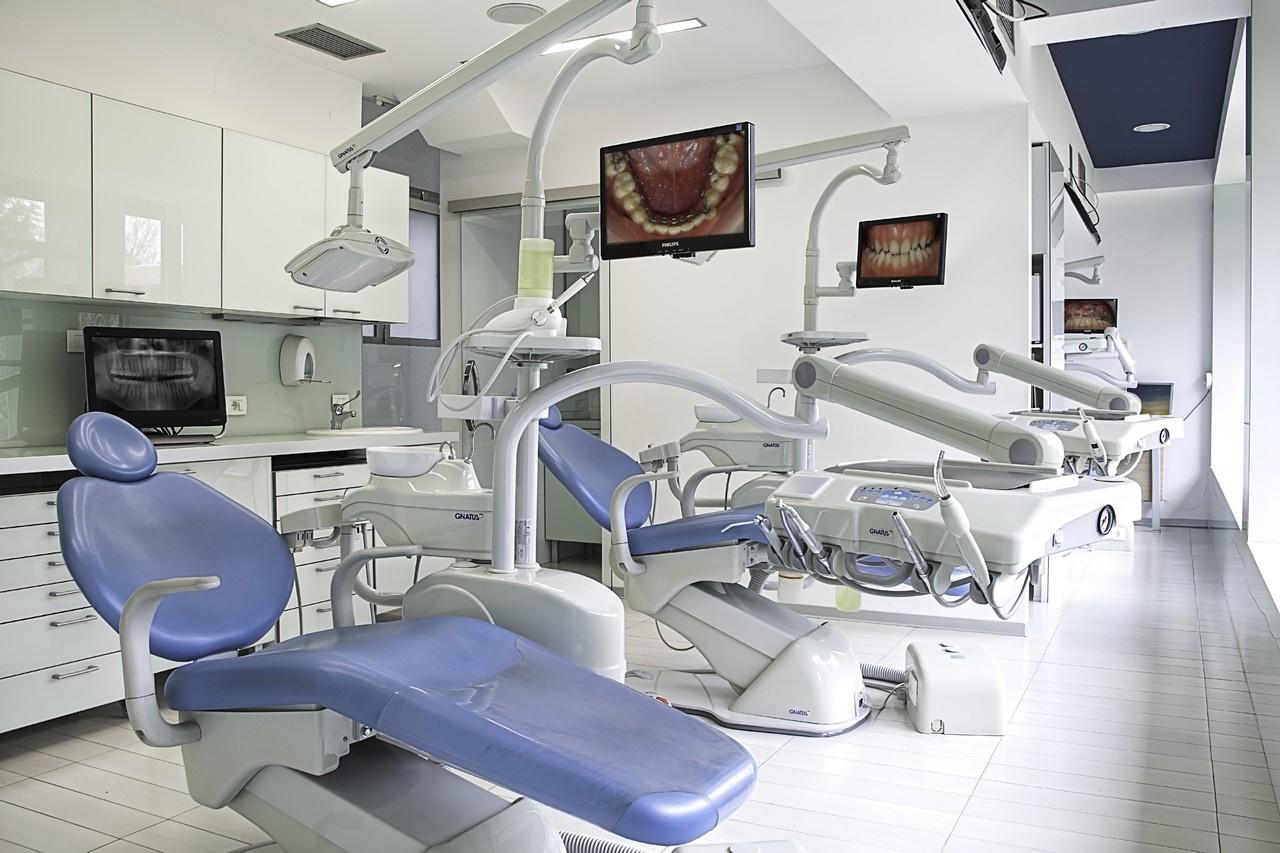 dental clinic - كلينيك ارتودنسى در كرج