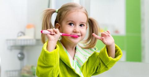 15 1 - سفید کردن دندان در کودکان
