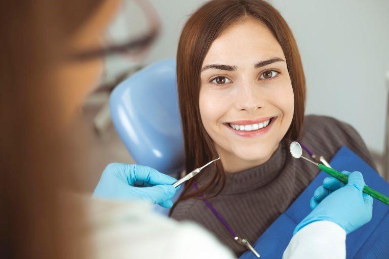 1 2 - ایمپلنت های دندانی و فرایند کاشت آنها